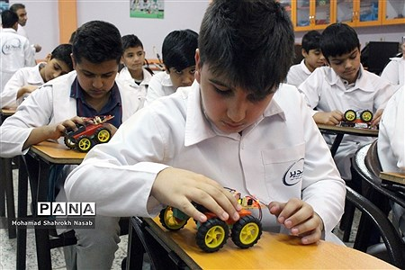 افتتاح نخستین آزمایشگاه سنجش و اندازهگیری دانشآموزی کشور در اهواز |