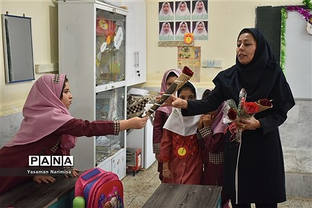 برگزاری آیین شکوفههای حسینی در امیدیه |
