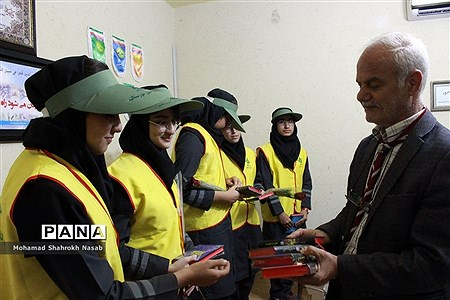 بازدید مربیان و پیشتازان ناحیه 2 اهواز از سازمان دانشآموزی خوزستان |