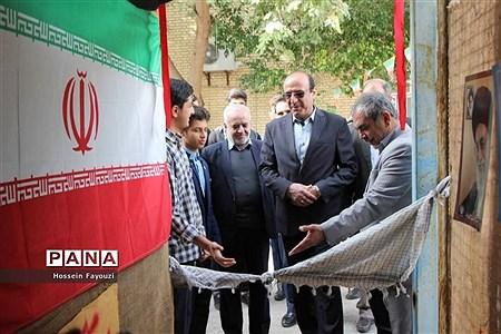 نمایشگاه مدرسه انقلاب در دبیرستان شریعتی بوشهر |