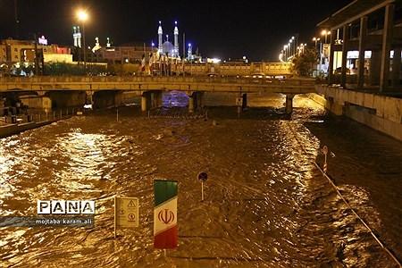 رودخانه قمرود لبریز از سیلاب |