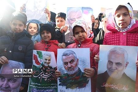 حضور پرشور مردم همدان در مراسم یادبود شهیدان سردار سلیمانی و ابومهدی المهندس |