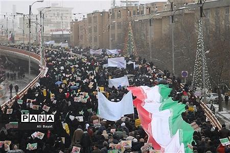 حضور پرشور مردم همدان در راهپیمایی ۲۲بهمن |
