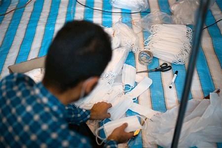 کار گروه مردمی تولید ماسک  مدافعان سلامت  در  مسجد اشرف الانبیاء در تبریز  | Mehdi yosefi