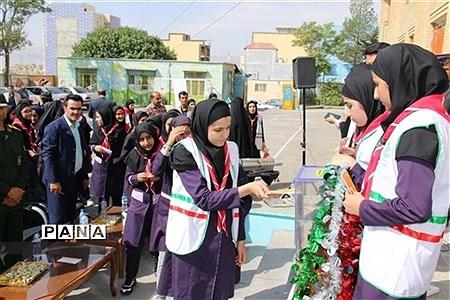 جشن عاطفه ها در دبیرستان دخترانه شاهد یاسوج |