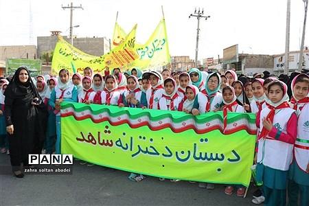 حضور پرشور دانشآموزان ایرانشهری در راهپیمایی 13 آبان |