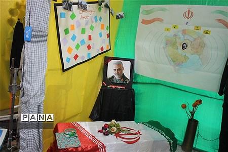 افتتاح نمایشگاه مدرسه انقلاب در آموزشگاه دخترانه شاهد نجابت  