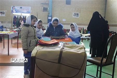 نمایشگاه صنایع دستی و دست ساخته های سواد آموزان  