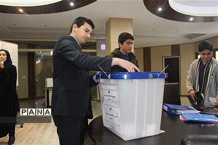 برگزاری دهمین دوره انتخابات مجلس دانشآموزی در استان البرز |