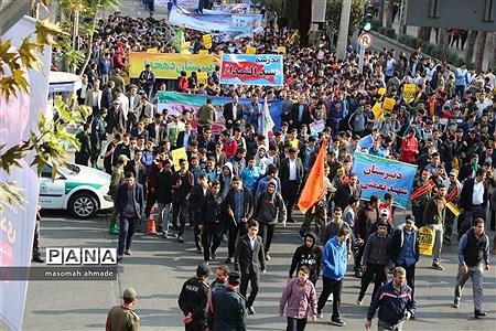 راهپیمایی یوم الله 13 آبان ماه در البرز |