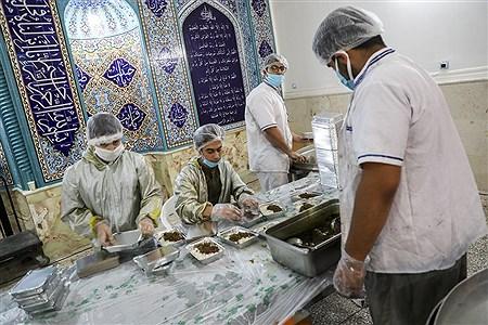 پخت و توزیع غذا درماه مبارک رمضان برای افراد نیازمند | Behrooz Khalili