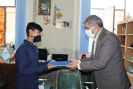 تجلیل از خبرنگاران پانا توسط رئیس سازمان دانش آموزی استان کرمان  | komeil