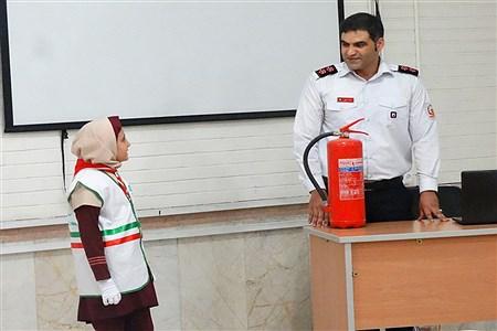 تولید محتوای سازمان دانشآموزی در بخش اطفای حریق و تشکیلات در بخش خبرگزاری پانا با موضوع عکاسی ( لنز) در سازمان آتش نشانی واقع در منطقه 19 برگزار شد. | Mohammad Sadeghiyan