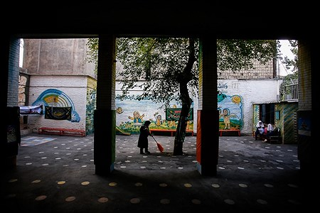 مدارس زیر سایه کرونا | Ali Sharifzade