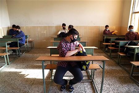 مدارس زیر سایه کرونا | Zahra Alihashemi