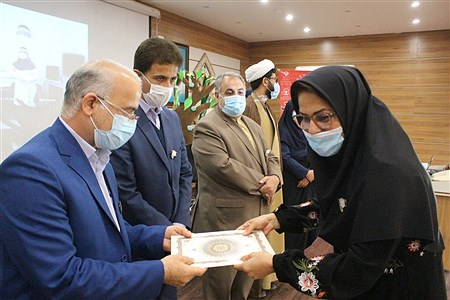 تجلیل از مراقبین سلامت   Abdol hossein Sadeghi