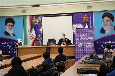 برگزاری کارگاه آموزشی خبرنگاران پانا مشهد در سازمان دانش آموزی خراسان رضوی |