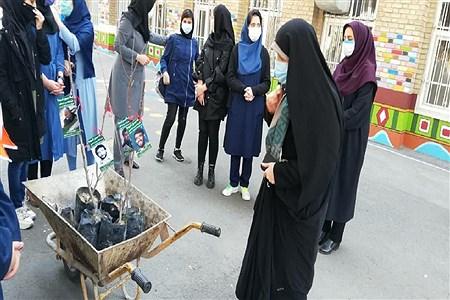 کاشت نهال در دبیرستان فرزانگان ۴ | Parisa samadi