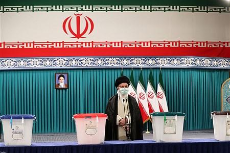 حضور رهبر معظم انقلاب  در سیزدهمین دوره انتخابات ریاست جمهوری | leader.ir