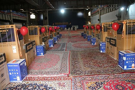 توزیع ۱۲ سری جهیزیه به نو عروسان شهرستان بهارستان | Hadi Shokri