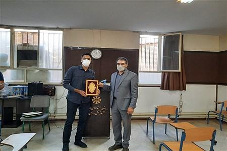 مراسم تقدیر از دانش اموزان برتر مدرسه استعداد درخشان شهید بهشتی رودهن که در سال تحصیلی ۹۹-۱۴۰۰ رتبه های برتر مدرسه بوده اند. | Sobhan Zahedi