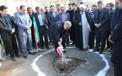 کلنگ احداث مدرسه 6 کلاسه بر زمین زده شد/افتتاح 3 باب نمازخانه