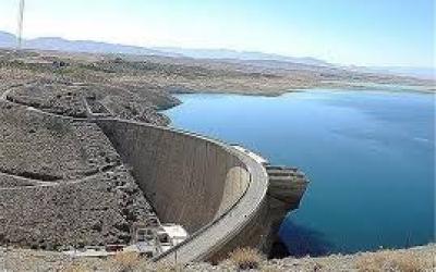 دریاچه زاینده رود  این روزها حال خوشی ندارد