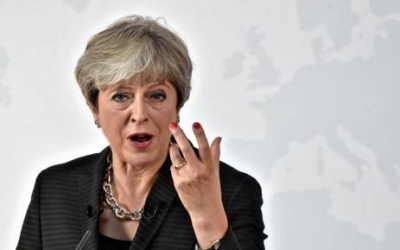 ترزا می خبر داد: تأکید برلین و لندن بر ضرورت اجرای کامل توافق هستهای